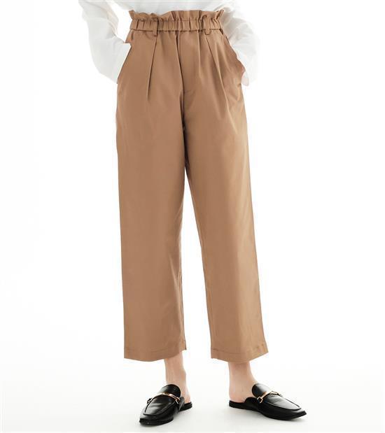 plain-me女款彈性斜紋錐形長褲1,880元。圖/plain-me提供