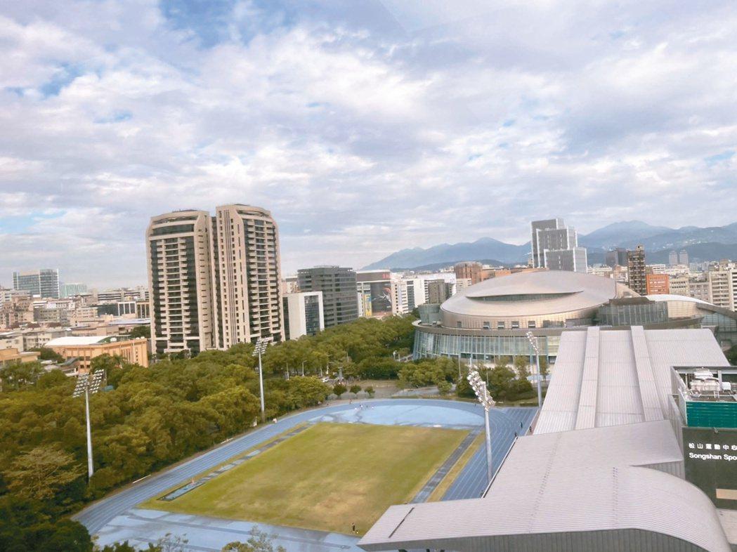 南港區去年10月房屋交易量,從9月44件上升到62件。記者鍾維軒/攝影