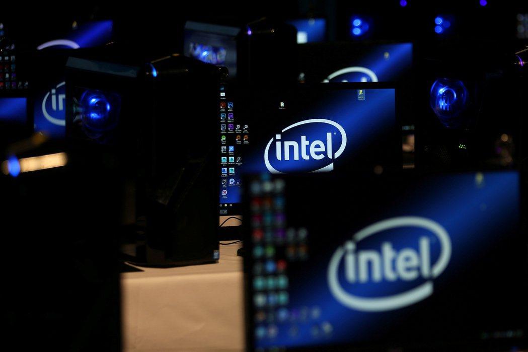 英特爾除了中央處理器自家生產外,其他晶片已委託台積電代工,早就是是台積電的大客戶...