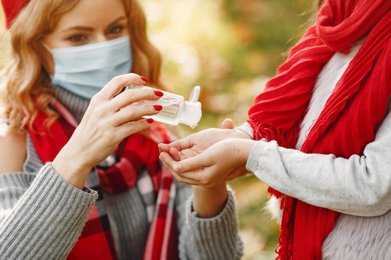 減少手接觸刺激物質及過敏原的機會,若碰到須戴手套;手在脫皮、龜裂、腫桶、搔癢嚴重...