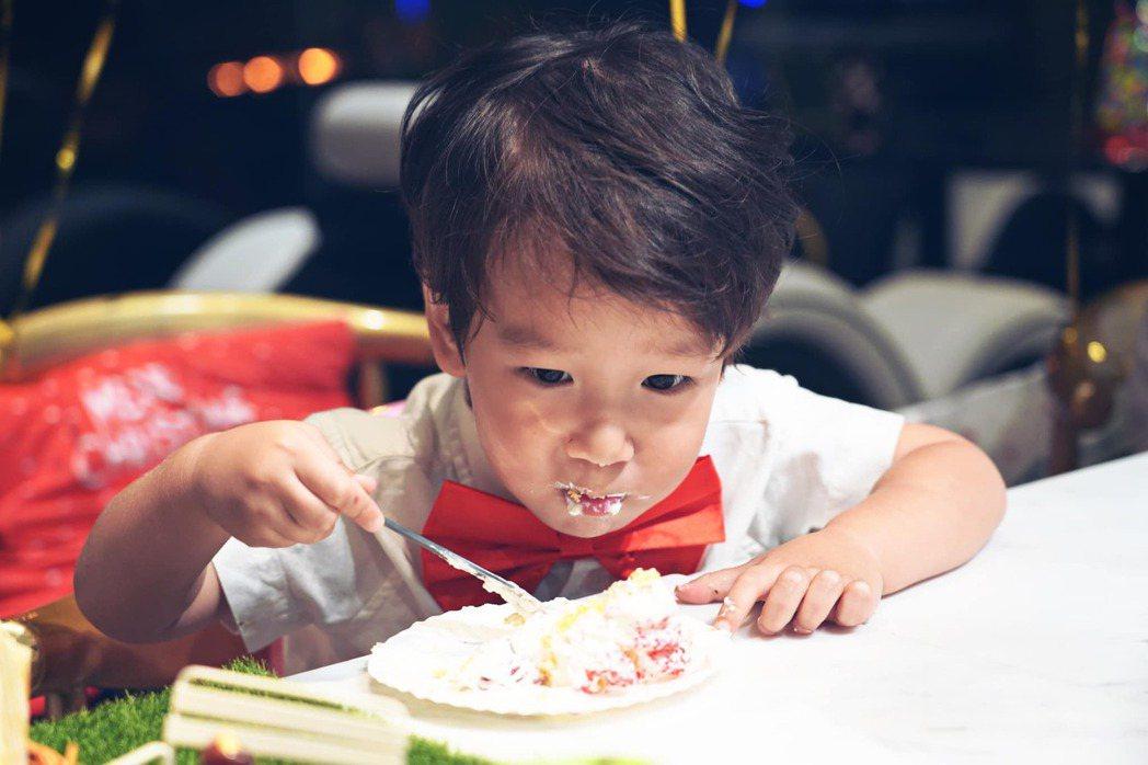 隋棠的小兒子Olie。 圖/擷自隋棠臉書