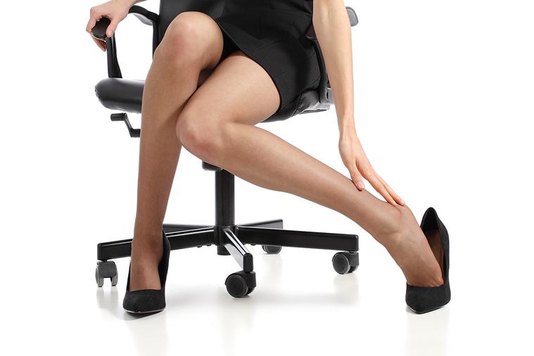 通常一個人的腿會因為姿勢不良而暫時麻木,例如:看電影坐太久,會突然站不起來;或是...