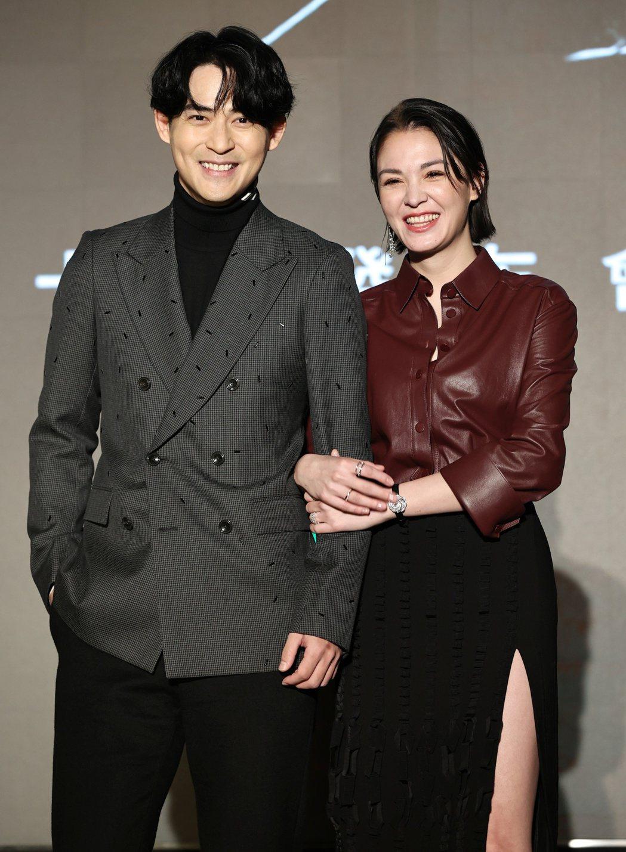 周渝民(左)與張榕容在「逆局」中擔任男女主角。記者侯永全/攝影