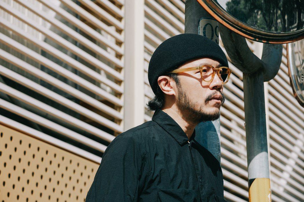 方序中配戴MOSCOT眼鏡。攝影:王晨熙;圖片/森³ sunsun-museum...