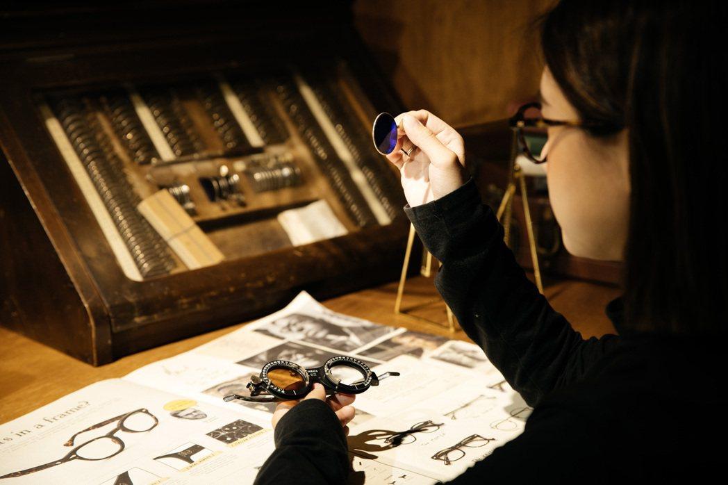 MOSCOT eyewear x coffee,以創新手法陳列眼鏡與其品牌故事。...