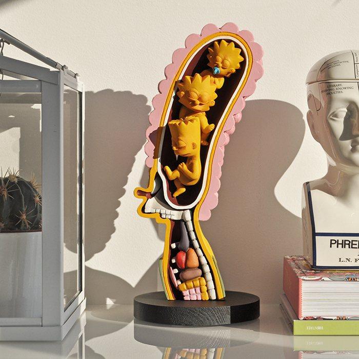 RX-MumAnatomy 辛普森媽媽解剖雕塑。圖/plzzzz 線上藝廊提供