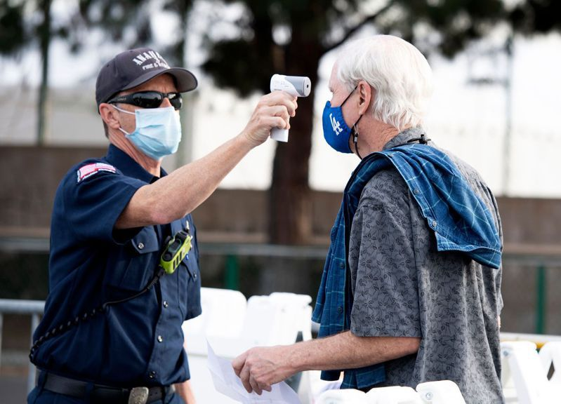 2019冠狀病毒疾病(COVID-19)疫情蔓延全球,據統計,全球因感染2019冠狀病毒疾病(COVID-19)致死人數已超過200萬人。 法新社