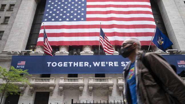 華爾街投資策略師預期 ,2021年美國經濟將在復甦軌道上繼續前進,同時帶來許多投...
