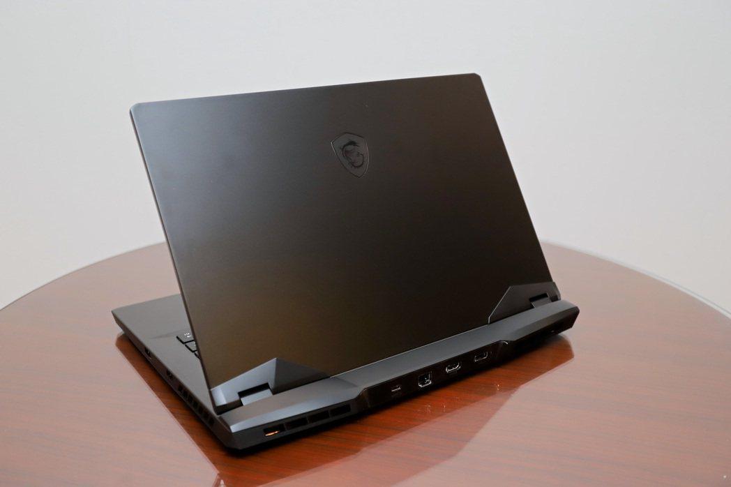 全新GP66 & GP76 Leopard電競筆電兩著差別於尺寸,外觀更全面進化...