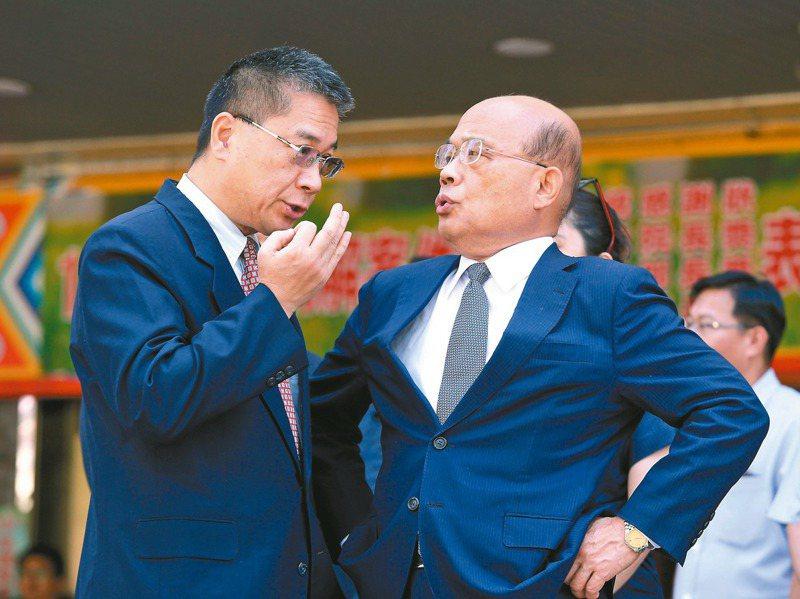 傳說警察人事案蘇貞昌(右)先問過內政部長徐國勇(左)才拍板,讓人感覺蘇揆好像不一樣了。 圖/聯合報系資料照片
