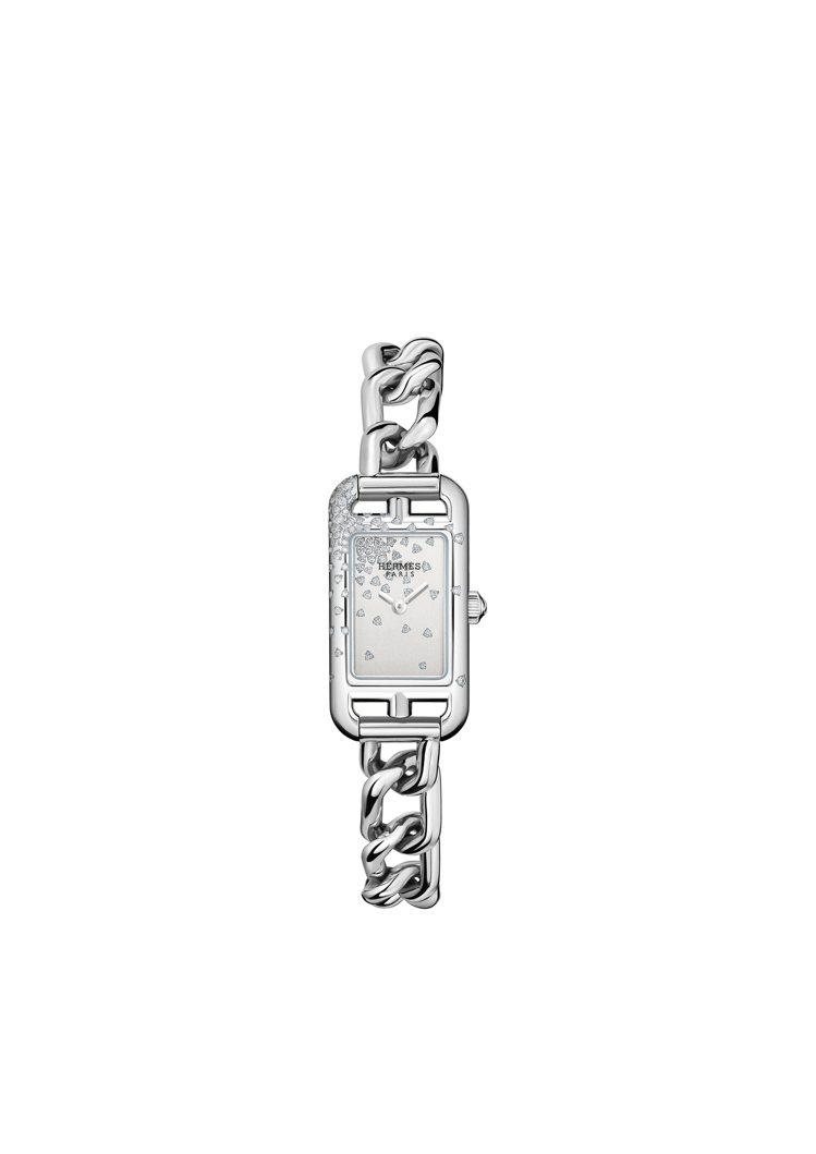 Nantucket飄花鑲鑽精鋼鍊表,24萬8900元。圖/愛馬仕提供
