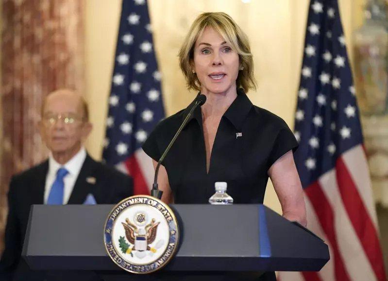 美國國務院發布交接期取消所有訪問,原定今天訪台的美國駐聯合國常任代表克拉夫特(右)行程喊卡。美聯社