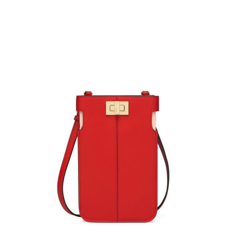 FENDI新春系列Peek-a-phone手機保護套,30,500元。圖/FEN...