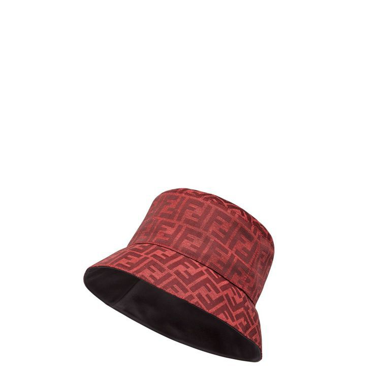 FENDI新春系列FF LOGO漁夫帽,15,500元。圖/FENDI提供