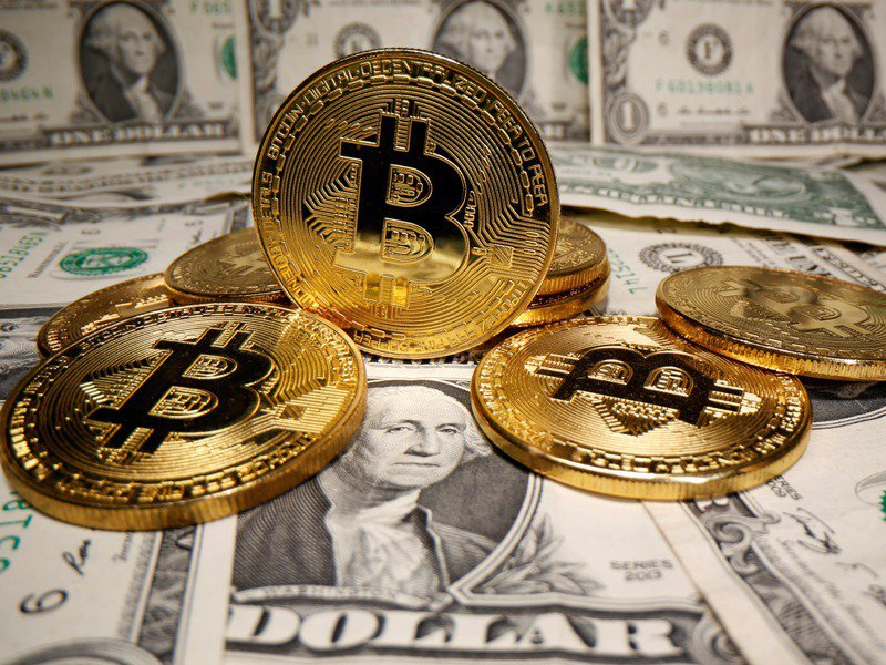 據加密貨幣數據公司Chainalysis估計,現有的1850萬比特幣中,約有兩成、價值約1,400億美元(約新台幣3.9兆元)被搞丟或「困在」無法存取的電子錢包內。路透