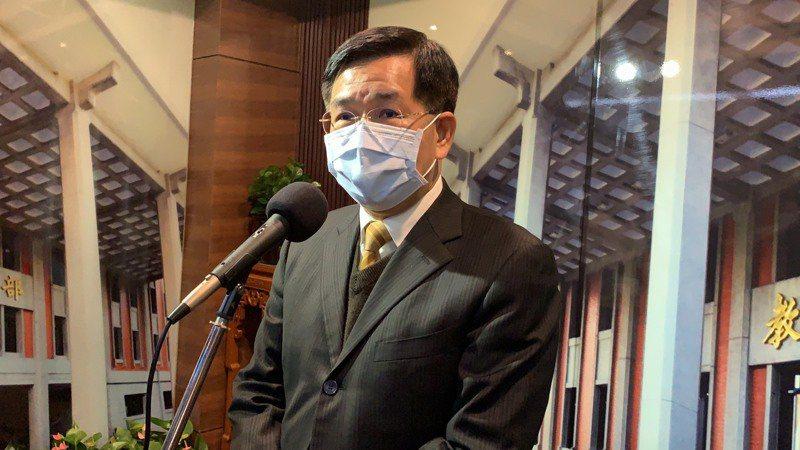 教育部今下午舉行部務會報,教育部長潘文忠會前接受媒體聯訪。記者趙宥寧/攝影