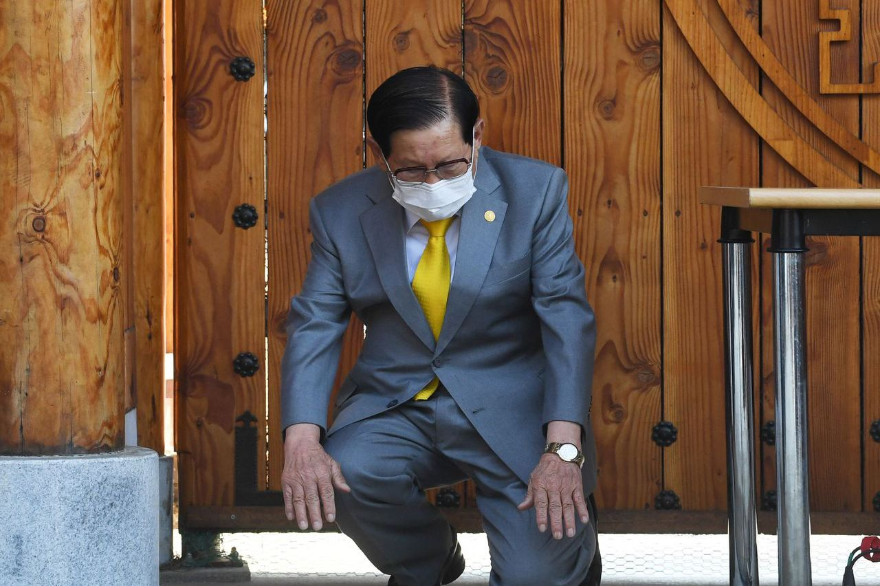 韓新天地教主李萬熙被控妨礙疫調案 一審獲判無罪