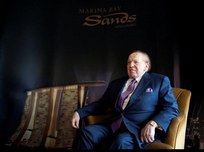 美國拉斯維加斯金沙集團董事長艾德森(Sheldon Adelson)11日辭世,享壽87歲。他在富比士雜誌的「白手起家指數」獲得10分的滿分,卻愛憎分明且愛搞政治操弄。路透