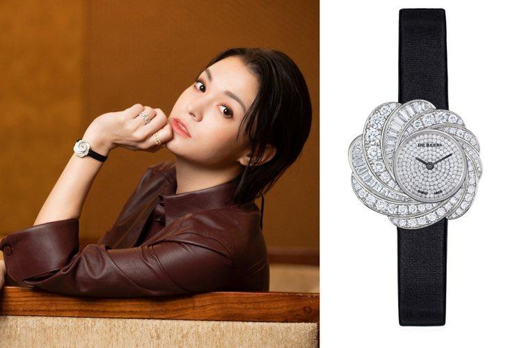 張榕容佩戴DE BEERS鑽石珠寶出席記者會。圖/DE BEERS提供