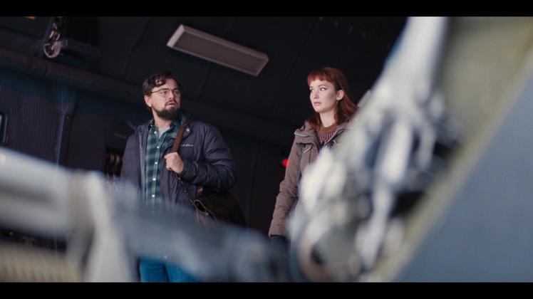 李奧納多狄卡皮歐(左)、珍妮佛勞倫斯(右)首度合作喜劇「Don't Look U...