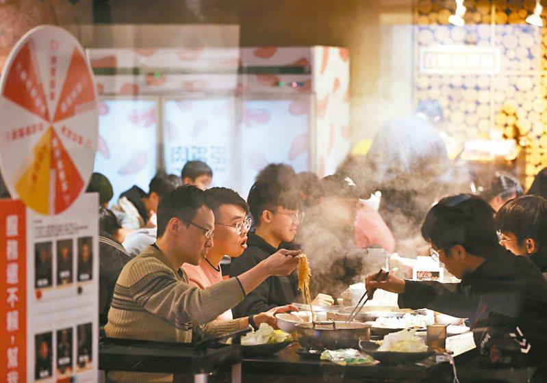 台灣豬標章亂象多,不僅消費者信心全無,業者也受害。 記者林澔一/攝影