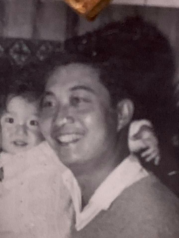 吳綺莉童年時與父親的合照。 圖/擷自吳綺莉臉書