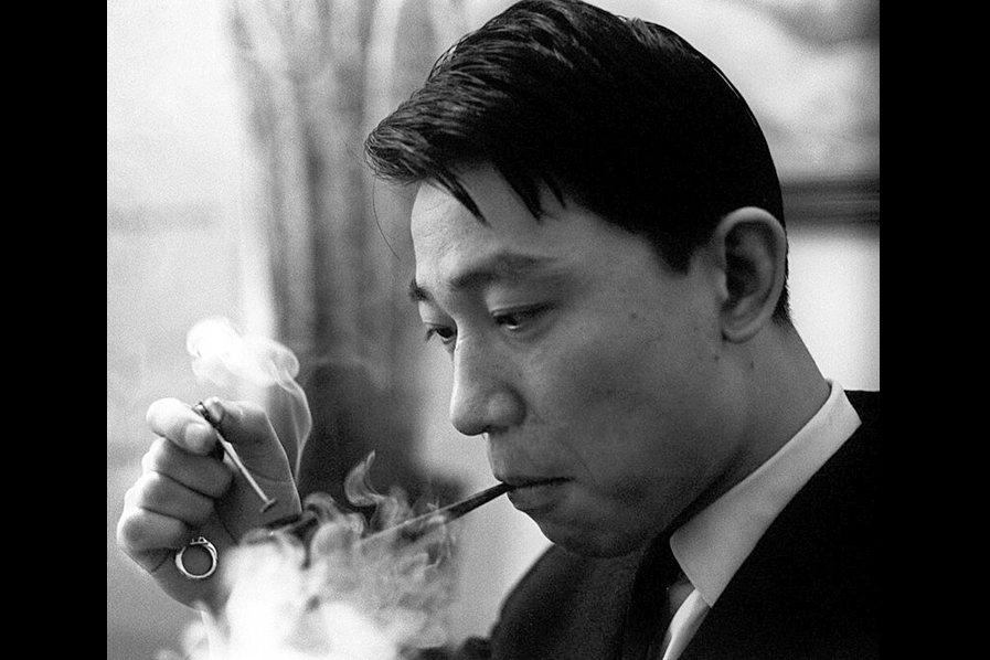 傅聰的一生流轉無常,卻始終離不開中國的情結糾葛。圖攝於1965年,米蘭。 圖/維基共享