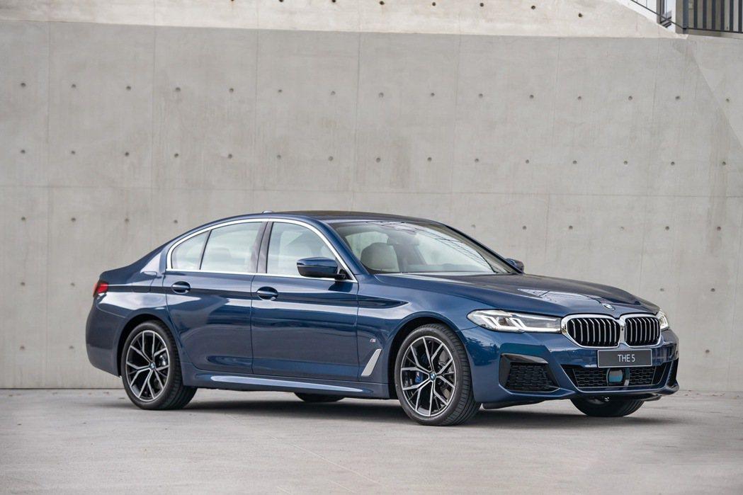 囊括全球無數專業獎項肯定,不斷創新變革的全新BMW 5系列,本月份入主享180萬...