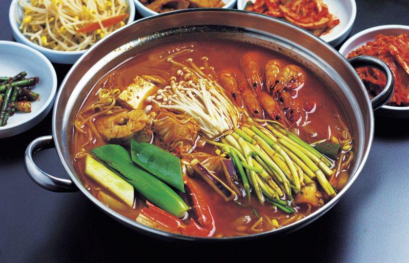 原PO認為韓式料理「又普又貴」,也提出自己的論點與網友分享。示意圖/Ingimage。