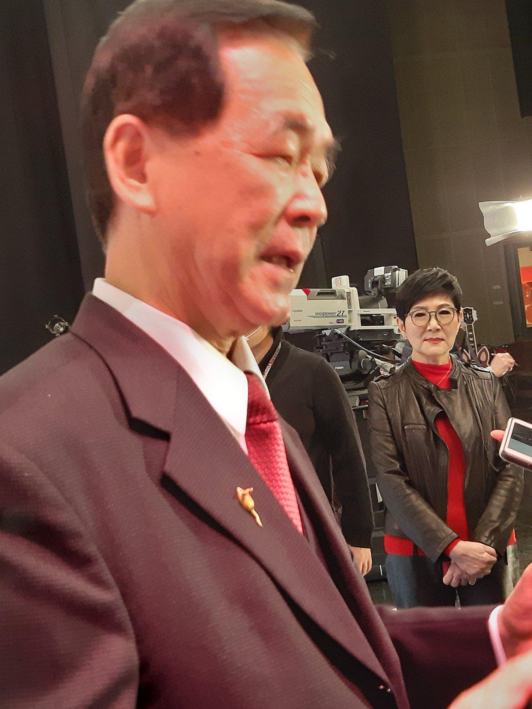 王應傑哽咽談兒子王怡中。記者林怡秀/攝影