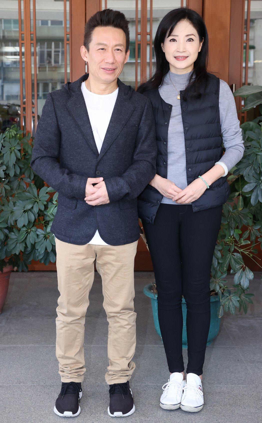郭子乾(左)、方季惟(右)大愛新戲演員。記者曾學仁/攝影