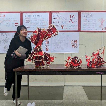 中原大學建築系「建築設計」課程不僅培養學生細微的觀察力與創造力,也透過評圖訓練學...