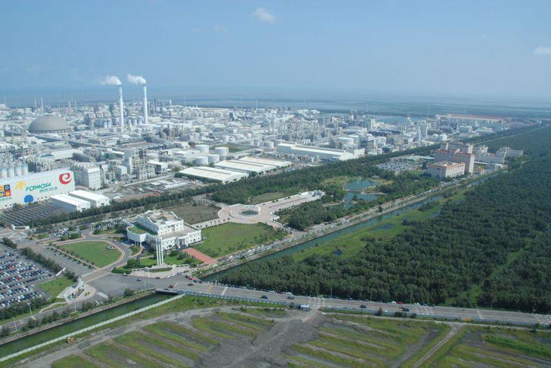 台塑六輕廠。 本報系資料照片