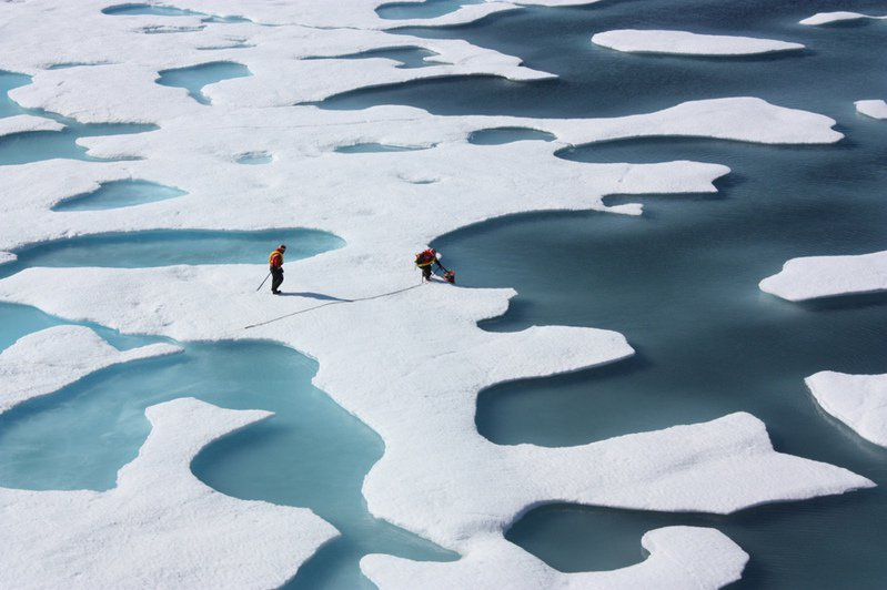 北極也出現人類製造的塑膠纖維蹤跡。(Photo by NASA Goddard Space Flight Centeron Flickerunder Creative Commons license)