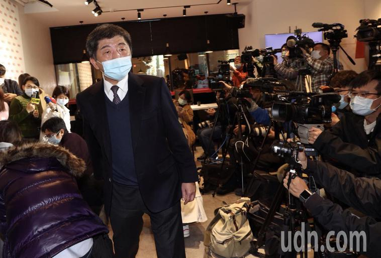 陳時中說,現在沒有人在考慮這件事(春節泡泡),不是台灣疫情升溫,而是全球疫情嚴峻...