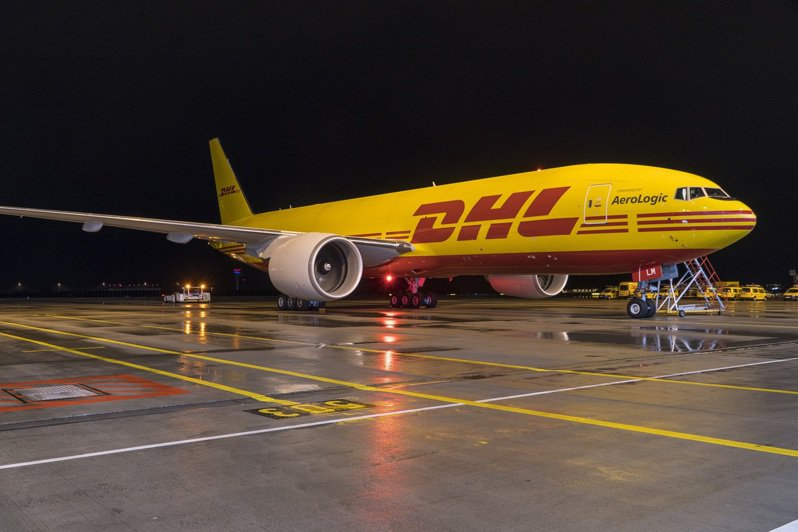 DHL國際快遞和波音公司今日宣布,DHL國際快遞續購八架新型波音777貨機。 圖/DHL提供