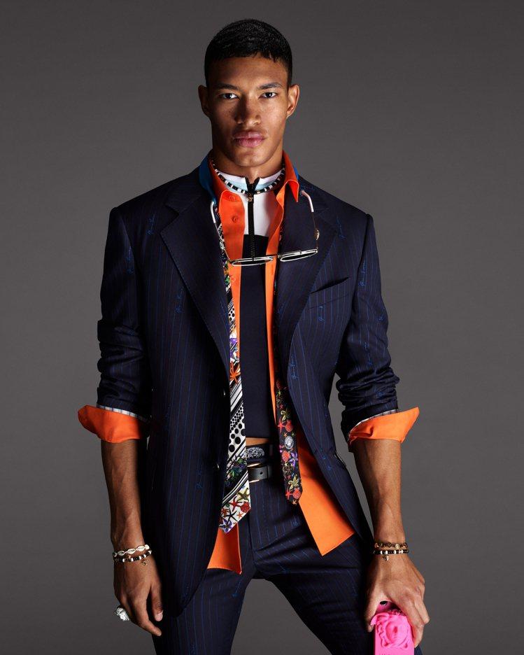 Versace 2021春夏廣告由攝影師組合Mert和Marcus掌鏡。圖/Ve...