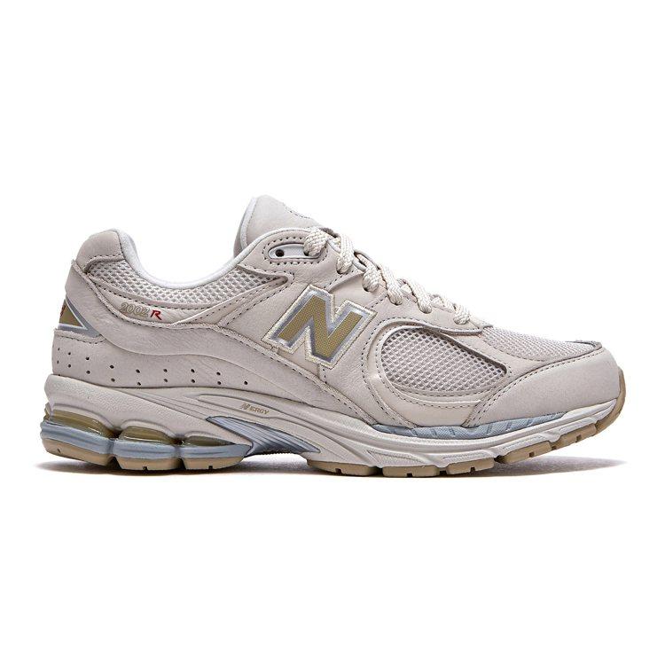 New Balance ML2002R3鞋2,880元。圖/New Balanc...