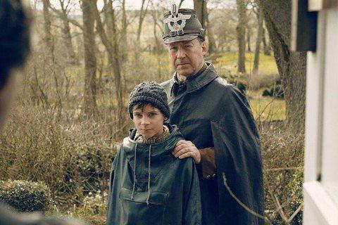 《偷畫男孩》:從父與子,看一個世代的歷史共業
