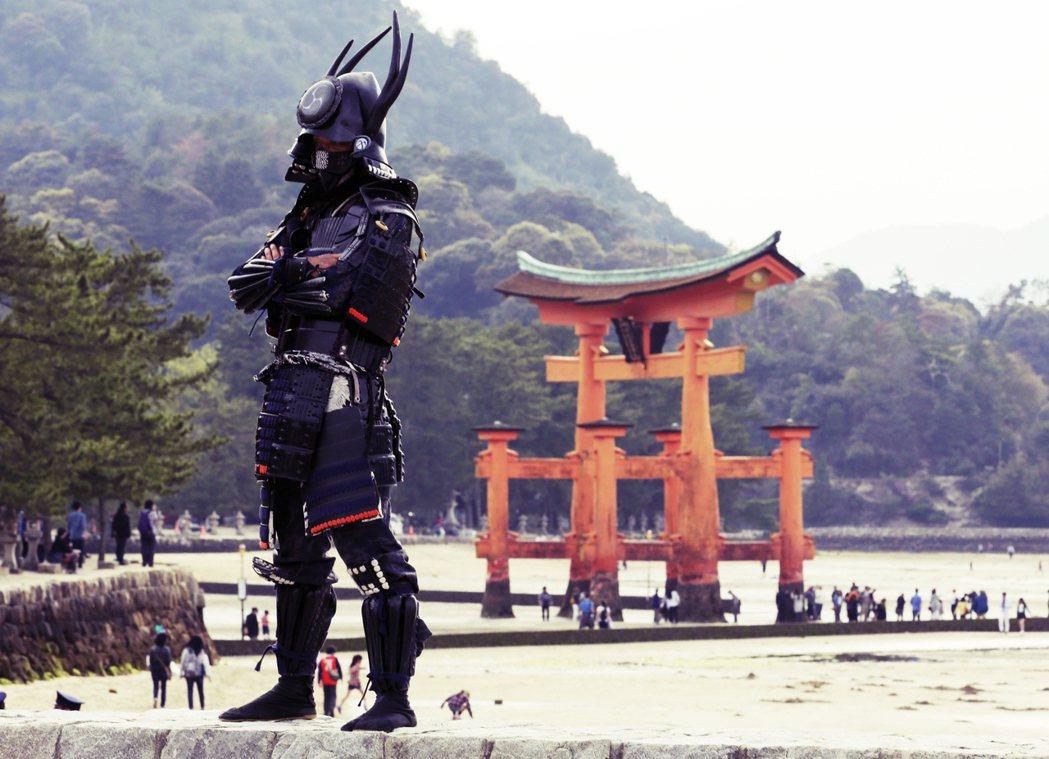 日本著名的「海上鳥居」世界遺產——嚴島神社——所在的廣島縣境內島嶼宮島,將推出入...