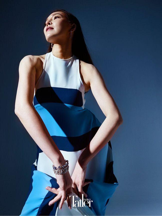 洋裝 by Louis Vuitton;Folie des Prés 耳環、(上...