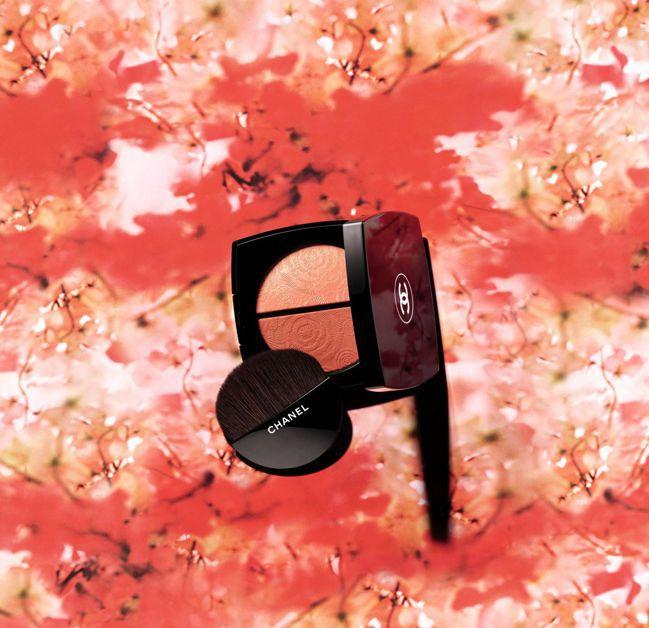 香奈兒花釀雙色頰彩盤限量。 圖/Talter Taiwan提供