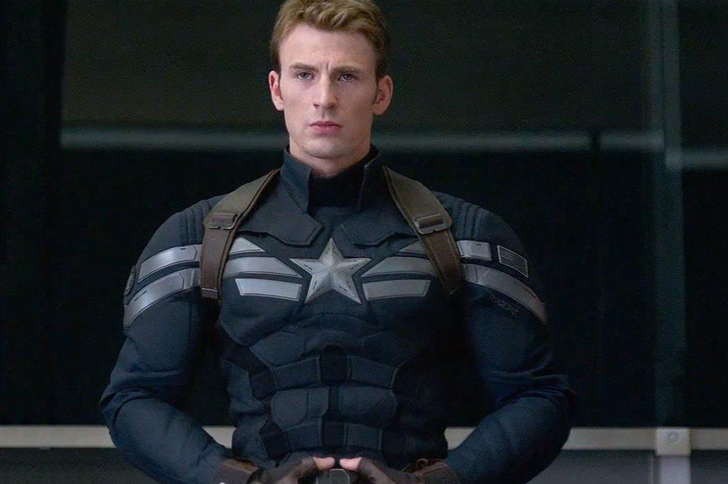 克里斯伊凡傳將和漫威續約再扮演「美國隊,」史蒂夫羅傑斯。圖/摘自imdb