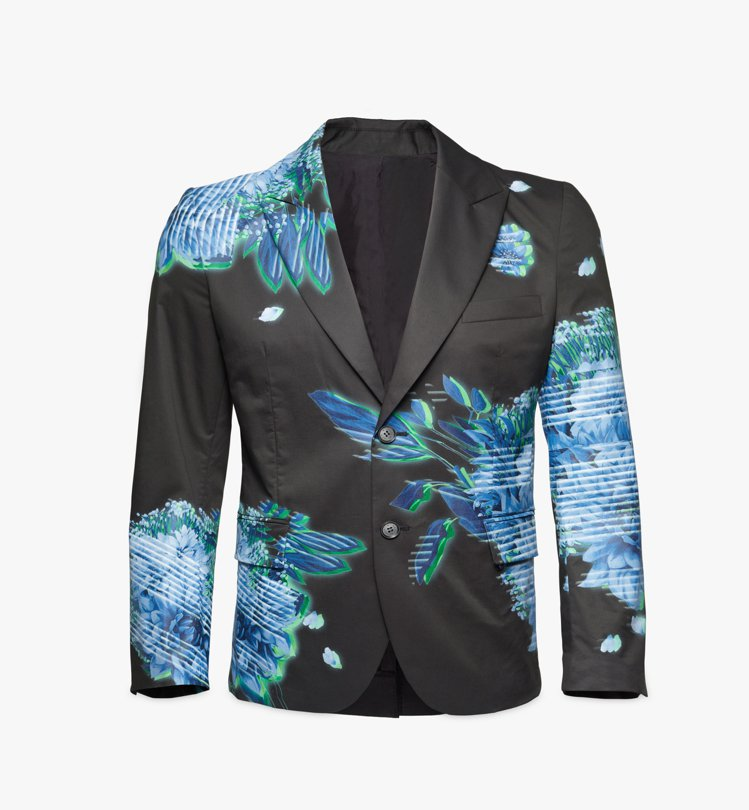 蕭敬騰在台中跨年演唱時所穿的服裝來自MCM 2021春夏系列。圖/MCM提供