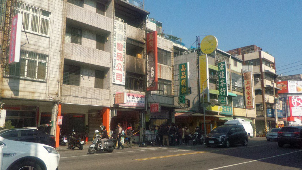 高雄市鳳山3死1傷火警現場。記者林保光/攝影