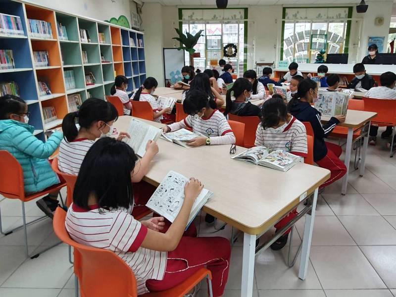台南縣市合併後,打造舒適閱讀環境,提升學生閱讀興趣。記者鄭惠仁/攝影