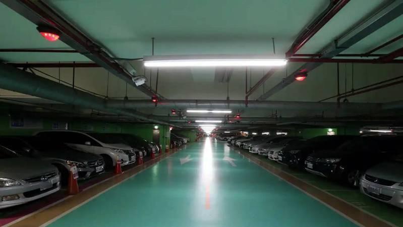 地下室停車場常做為防空避難室。圖/報系資料照