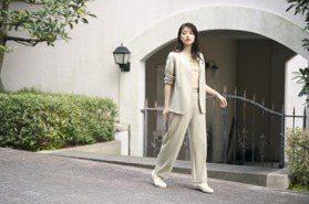今田美櫻示範搭UNIQLO早春新裝 穿出9頭身名模比例