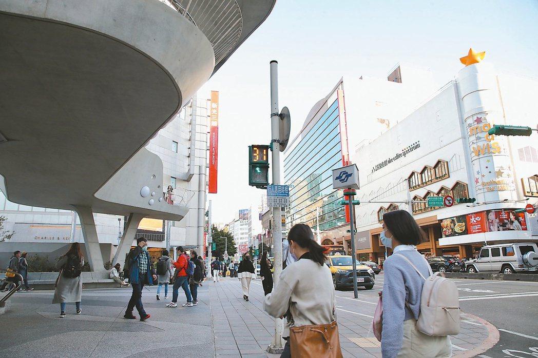 台北市南西商圈至後車站一帶區域,受惠於交通便利性,不僅有強勁的在地客換屋需求,也...