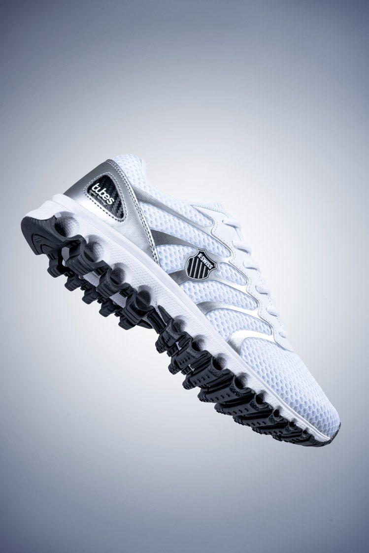 K-SWISS Tubes Comfort 2000鞋約1,800元。圖/K-S...